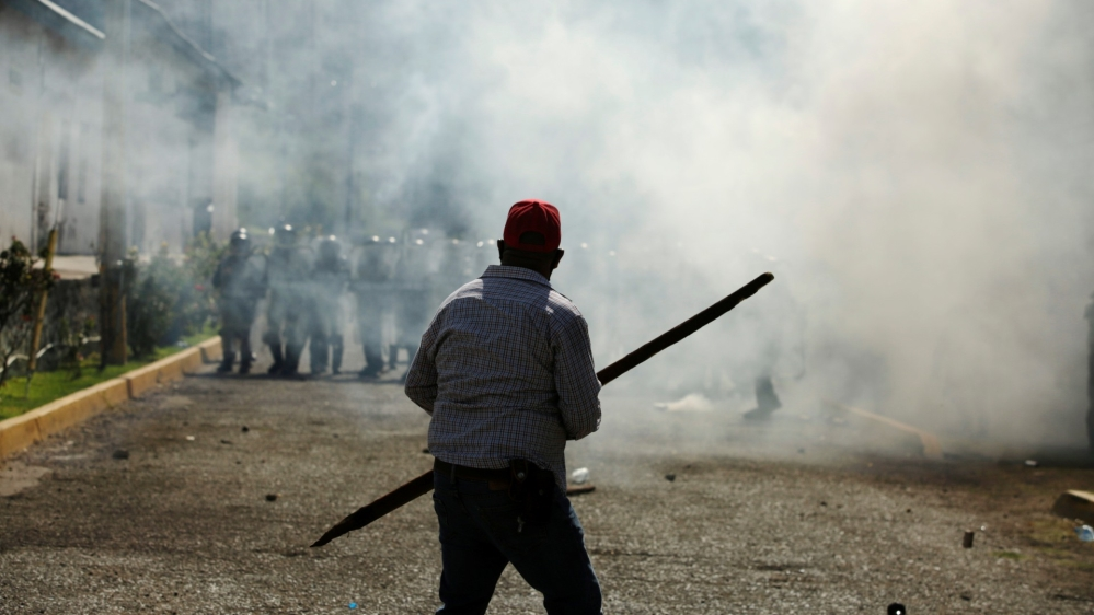 Mexico: Two killed in clash with military police near dam protest