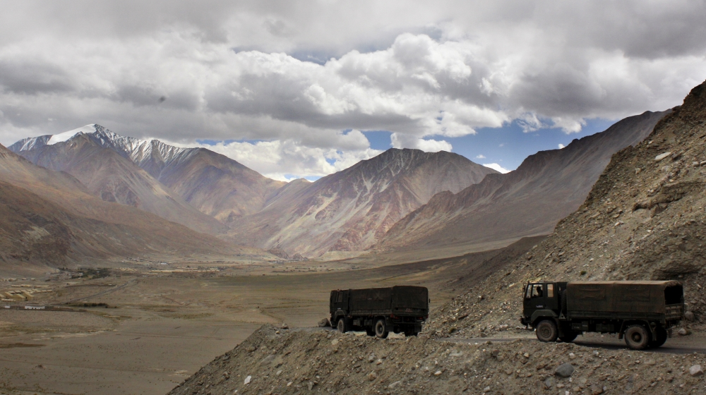 India pushes supplies to disputed China border ahead of winter