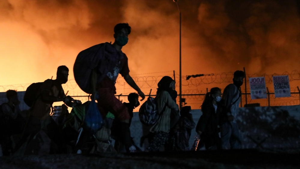 Moria ablaze: Hundreds forced to flee overcrowded camp in Greece