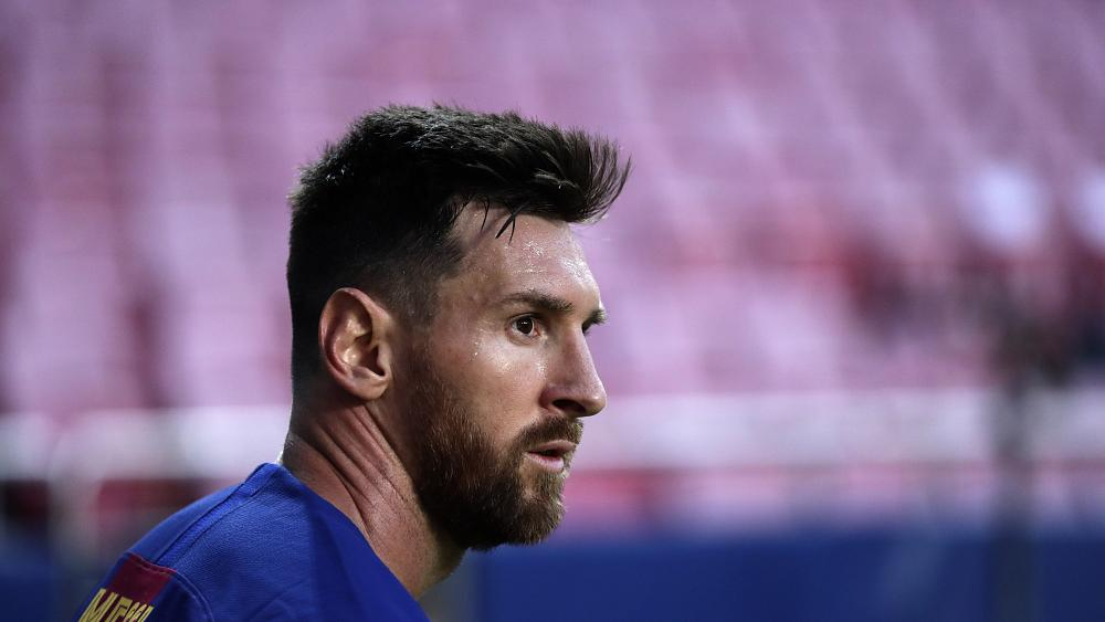 Lionel Messi tells Barcelona he wants to leave the club but could face legal battle