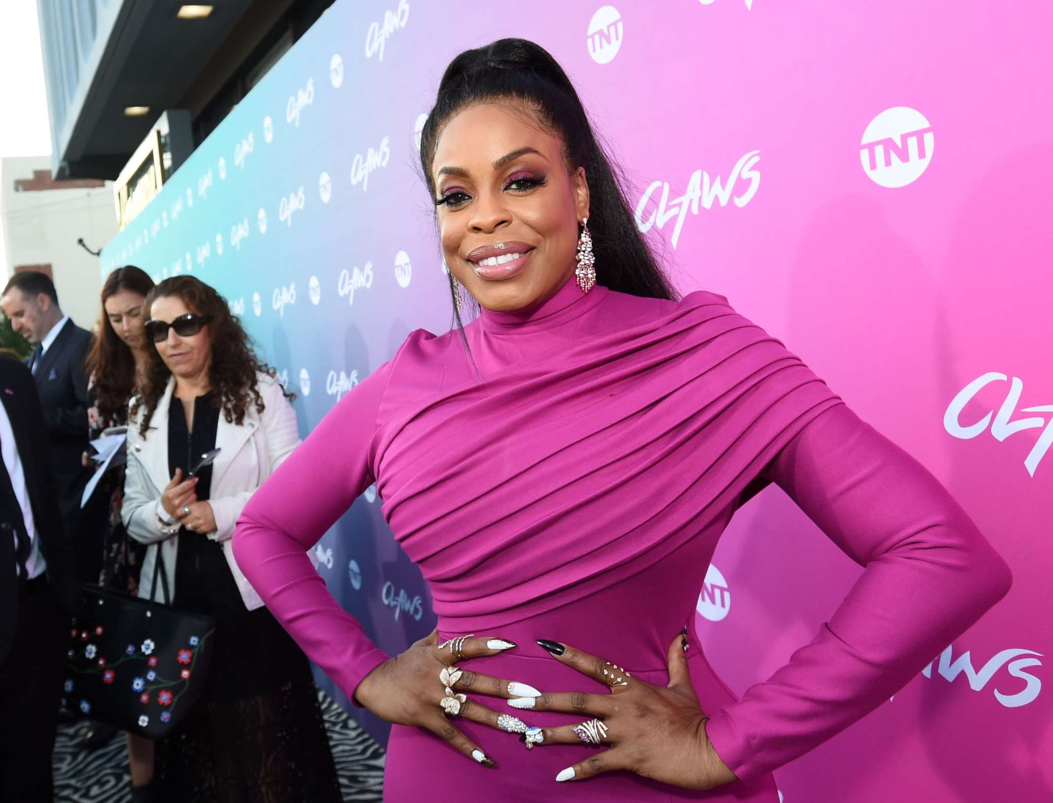 Niecy Nash Talks About Falling In Love With Her Wife And Only Seeing Her 'Soul'