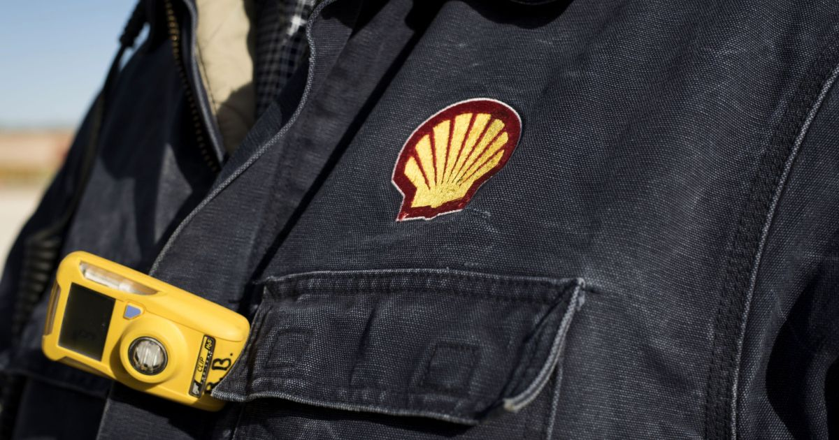 Shell plans up to 9,000 job cuts with virus driving reductions