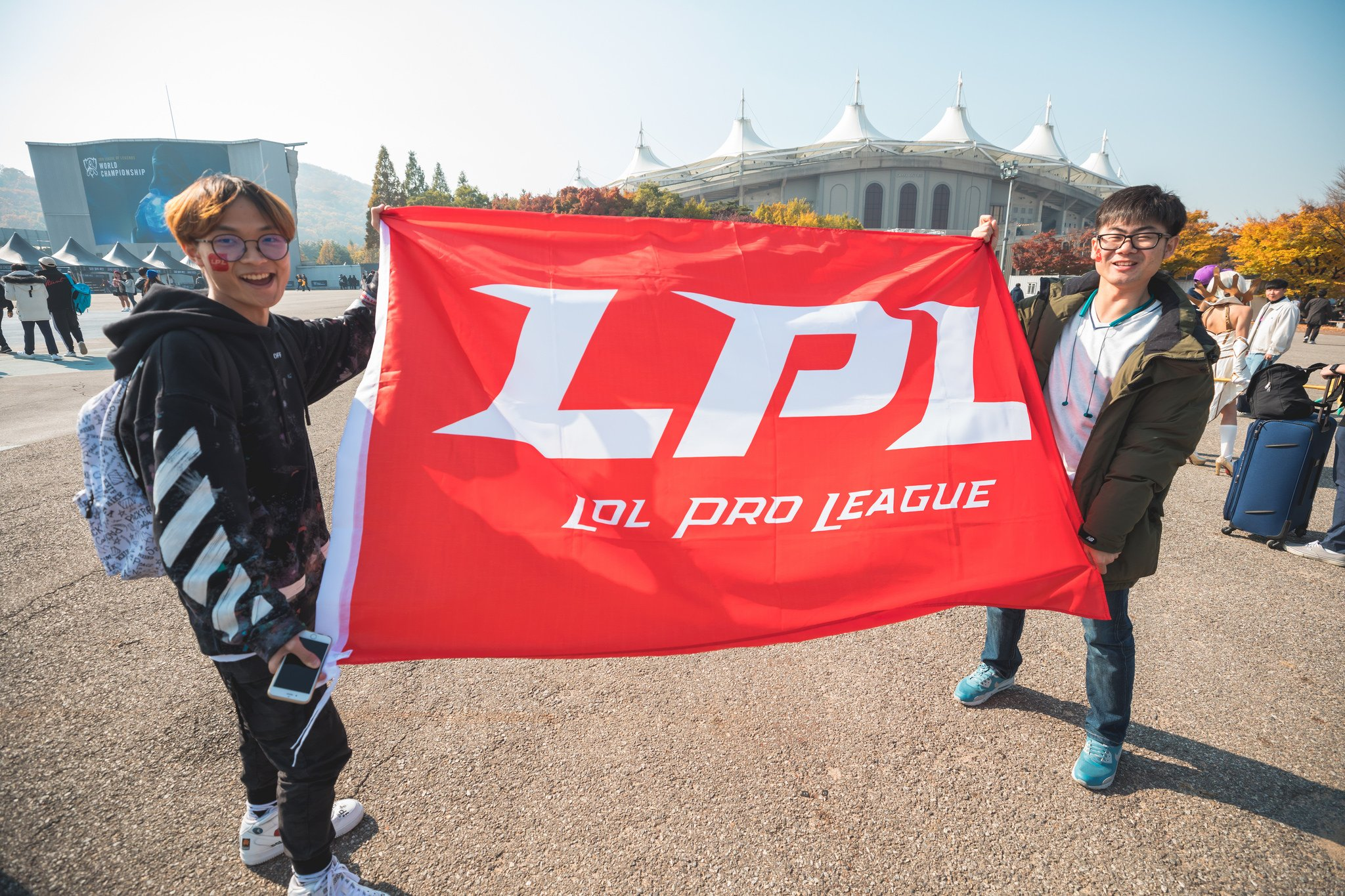 LPL – JD Gaming Extended Jungler Kanavi And ADC LokeN's Contracts For Upcoming Year In League Of Legends
