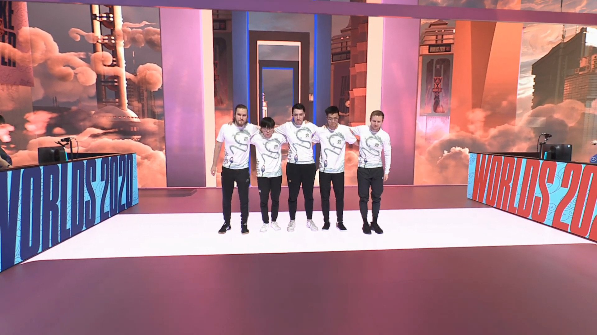 2020 World Championship – North America Secures First Win In Group Stages As FlyQuest Takes On Unicorns Of Love