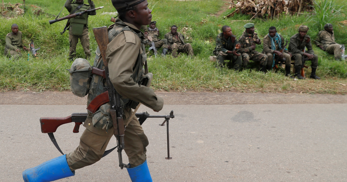 Armed fighters free 900 prisoners from DR Congo jail