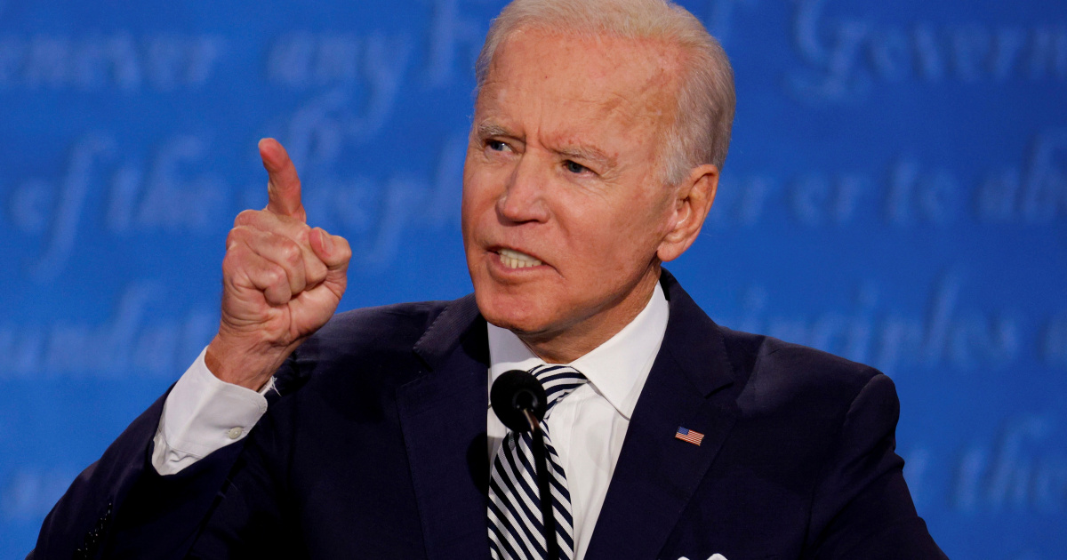 Biden campaign seeks to keep focus on national COVID-19 response