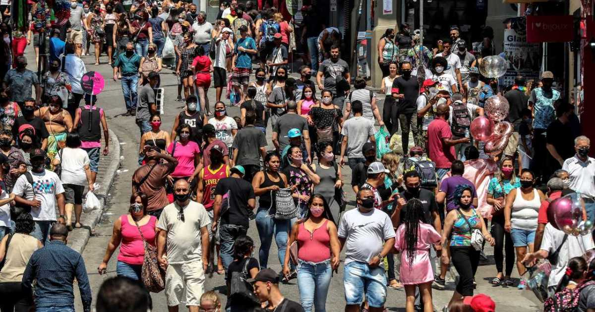Brazil hits 5 million COVID-19 cases, as experts fear second wave