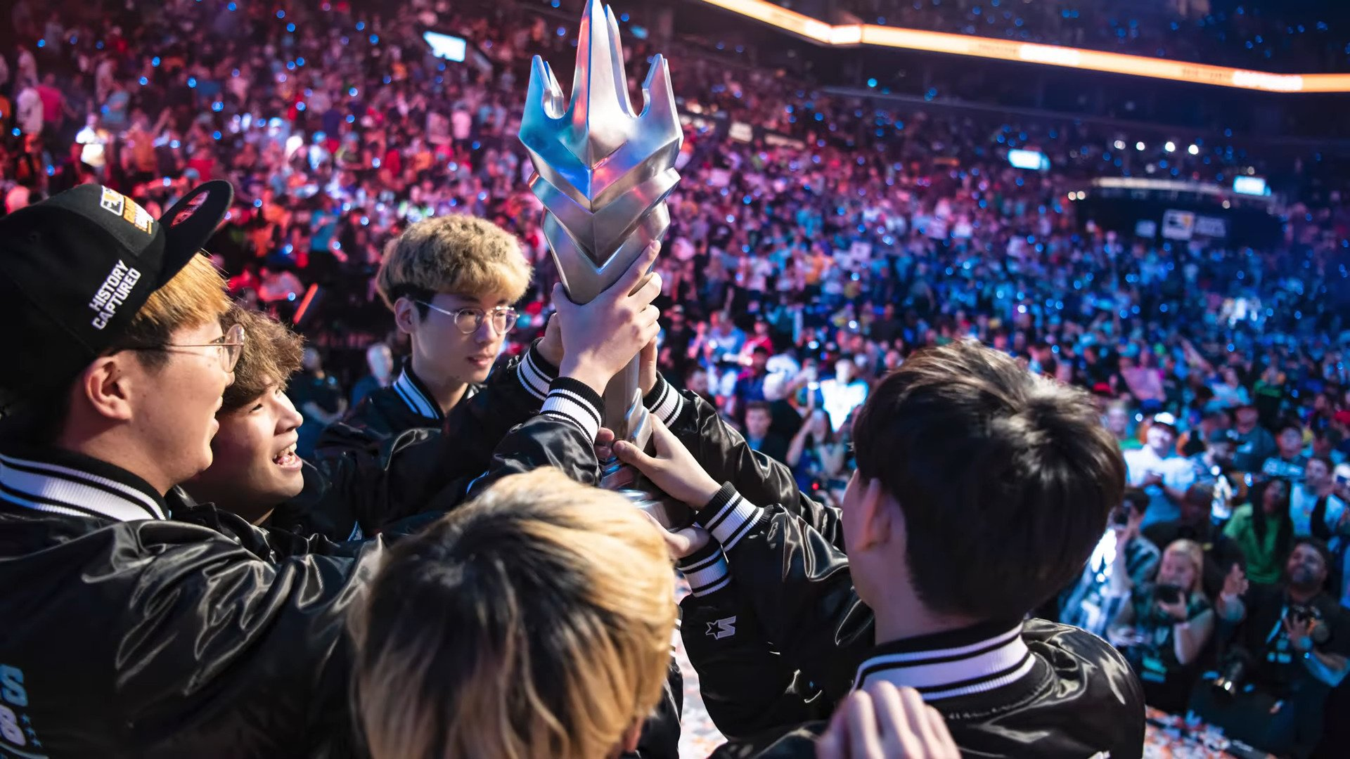 OWL – London Spitfire Looks To Overhaul Entire Roster, Lets Go All Coaches