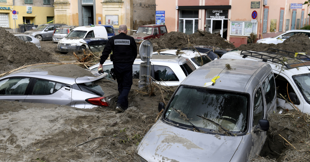 France rescuers search for missing victims after deadly floods