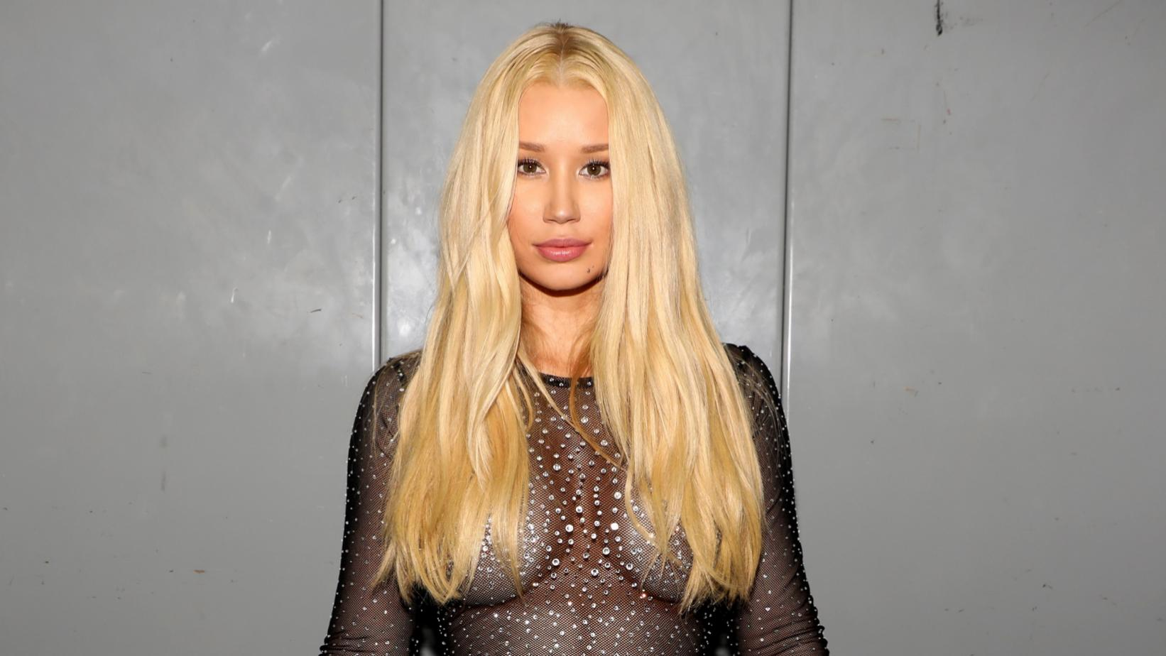 Iggy Azalea Shaves Her Hair In New TikTok Video And Fans Freak Out!