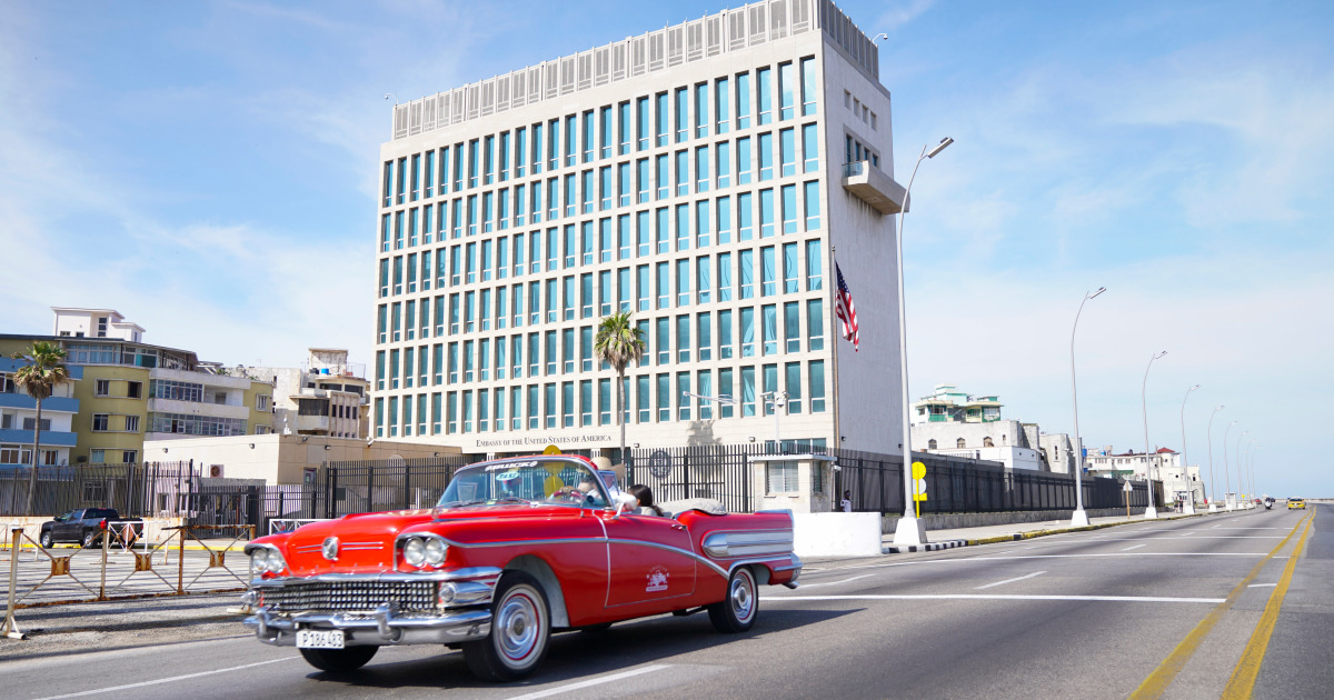 Microwave energy 'likely made US diplomats ill' in Cuba, China