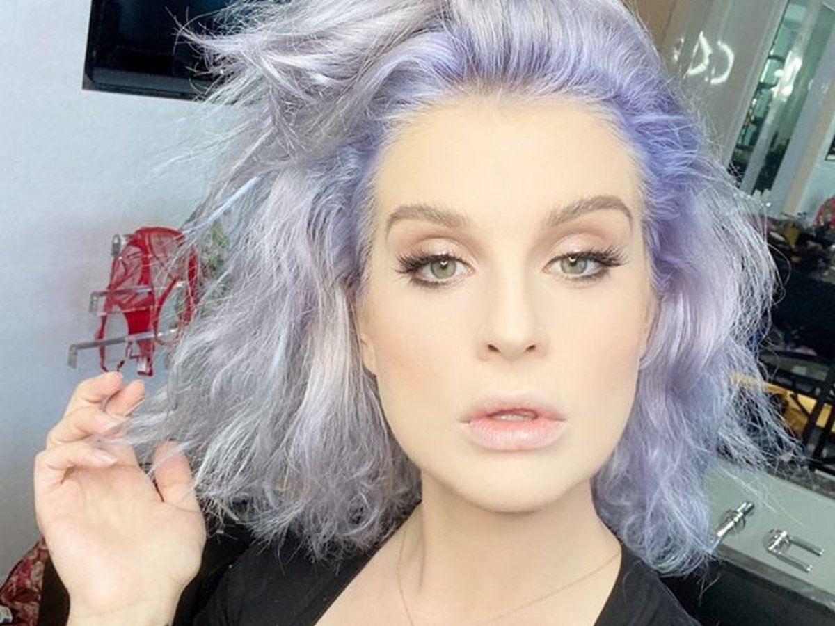 Kelly Osbourne Is Sick And On Oxygen And It Isn't Due To COVID