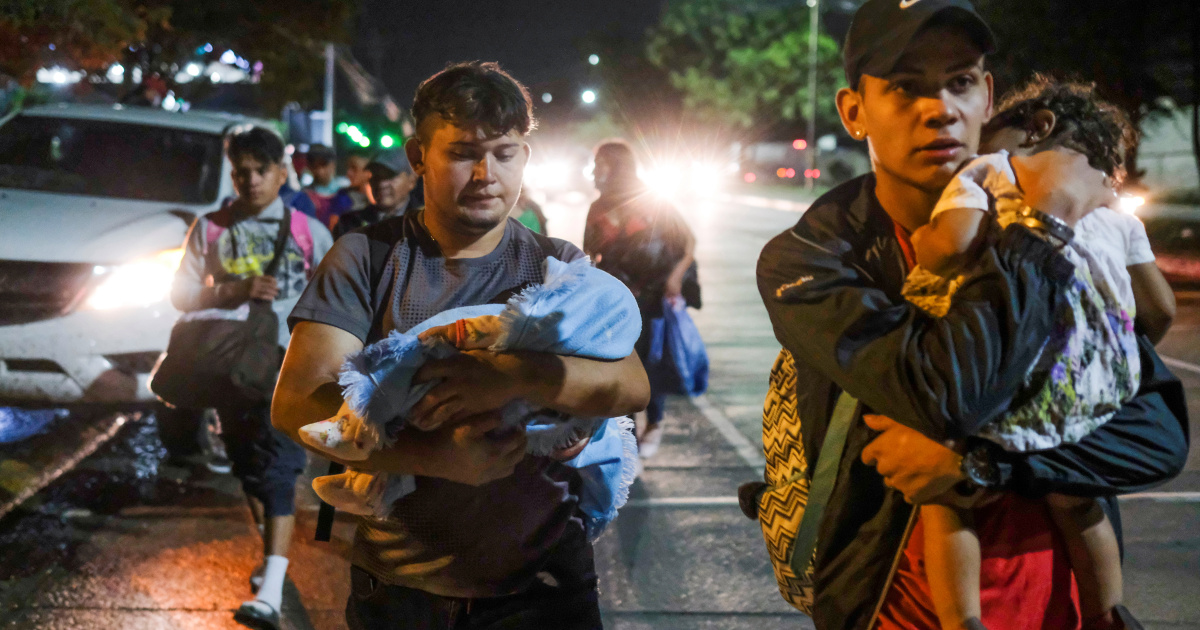 Migrant caravan sets off for US from Honduras amid new crackdown