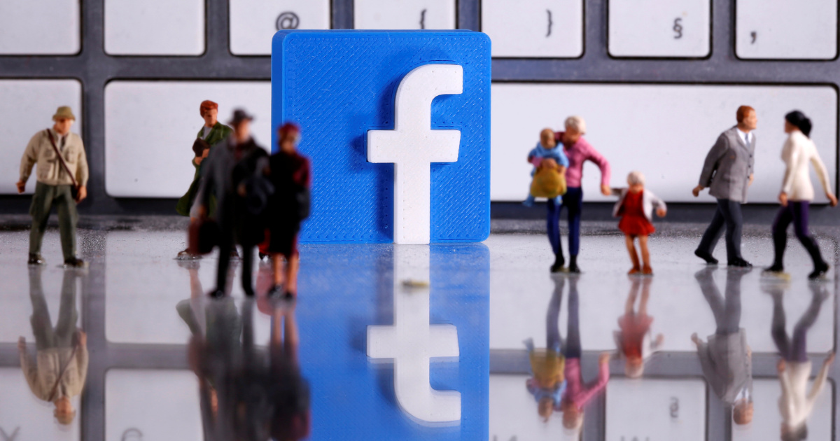 Australia pushes plan to force Facebook, Google to pay for news